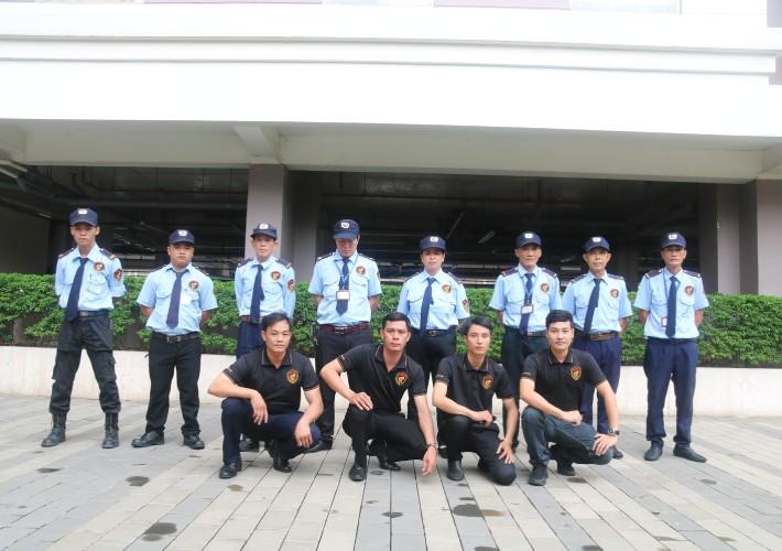 Bảo vệ Việt Thiên Long tập huấn về tácphong điều lệnh để phục vụ khách hàng