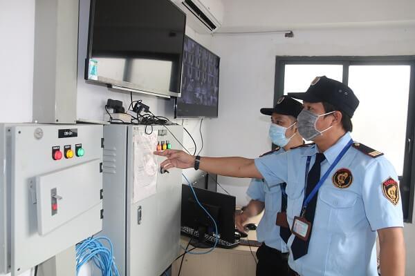 Giámsát các tầng của tòa nhà bằng hệ thống camera an ninh