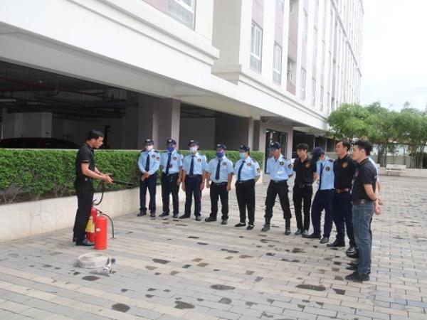 Việt Thiên Long: Huấn luyện nghiệp vụ bảo vệ chuyên nghiệp